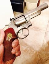 SMITH & WESSON MODEL 66 - STAINLESS - 357 MAG