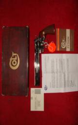 COLT PYTHON 357 MAG. 8