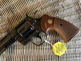 """COLT PYTHON 38 SPC. CAL. TARGET 8"""" ROYAL BLUE, MFG. 1980, NEW UNFIRED 100% COND. NO CYLINDER TURN LINE. IN THE BOX - 4 of 6"""