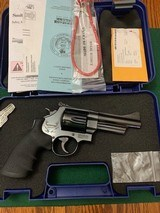 """SMITH & WESSON 629-8, 44 MAGNUM, MOUNTAIN GUN, 4"""" BARREL """"CABELAS OUTFITTER SERIES"""" 99% COND. - 1 of 6"""