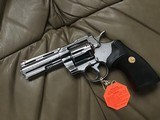 """COLT PYTHON 357 MAGNUM, 4"""" BRIGHT STAINLESS, NEW UNFIRED, UNTURNED IN THE BLUE PLASTIC BOX WITH COLT PICTURE BOX - 3 of 4"""