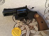 """COLT DIAMONDBACK 38 SPC., 2 1/2"""" BLUE, APPEARS UNFIRED, 100% COND. IN THE BOX WITH OWNERS MANUAL HANG TAG, ETC. - 3 of 6"""