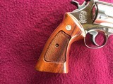 """SMITH & WESSON 29, 44 MAGNUM, 6 1/2"""" BRIGHT NICKEL, EXC. COND. NO CYLINDER TURN RING, IN SMITH & WESSON WOOD PRESENTATION CASE - 5 of 9"""