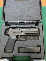 SIG SAUER 250, 40 S & W CAL. LIKE NEW IN THE BOX