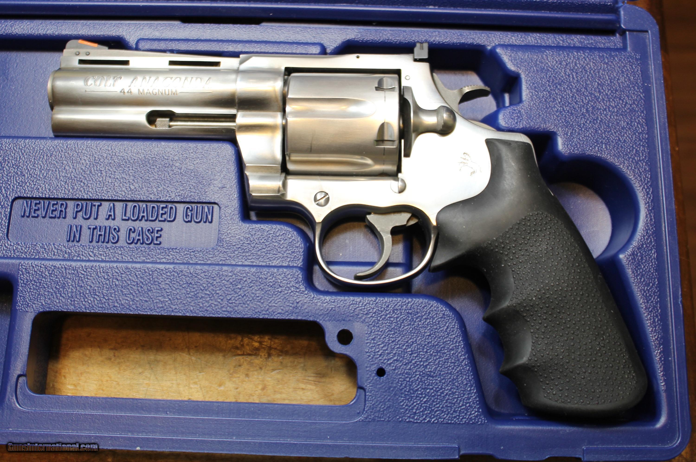 Colt Anaconda 44 Magnum 4
