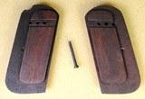 COLT 1903/1908 MODEL M Fleur-de-Lis Walnut Grips - 4 of 8