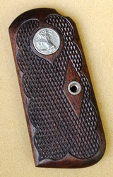 COLT 1903/1908 MODEL M Fleur-de-Lis Walnut Grips - 3 of 8