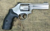 Smith & Wesson Model 617-6 Stainless Steel Revolver, 22LR Cal.