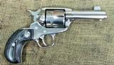 RUGER New Vaquero Revolver, 357 Magnum Cal.