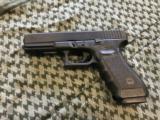 """Glock Model 22 Gen 3 4.5"""" 15 Shot .40 S&W - 2 of 4"""