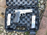 Smith & Wesson mod 5906 SS 9mm