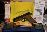 """SMITH AND WESSON M&P 45ACP 4.5"""" BI TONE FDE FACTORY BLACK SLIDE NEW COMPLETE PACKAGE,,,, - 1 of 17"""