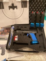 WALTHER Q5 SF W/21 9MM MAGAZINES BLUE AND BLACK BEAUTY