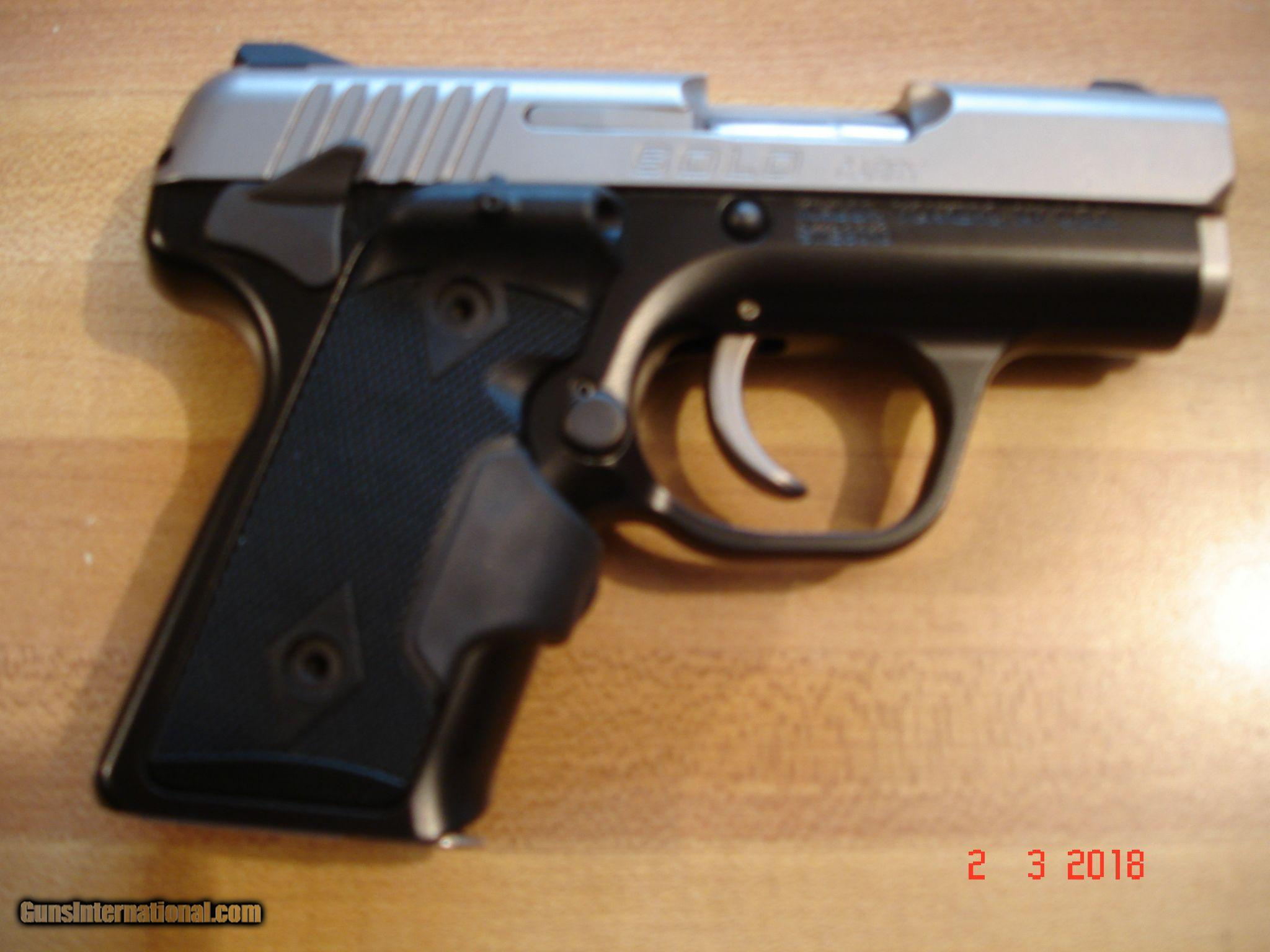 Kimber Solo Carry 9m/m MIB With Crimson trace laser grips
