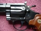 """Colt Diamondback Blue .22LR. 4"""" BBl. MFG in 1981Mint all Original Revolver Walnut Stocks with Gold Medallions - 2 of 15"""