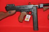 Thompson 1927 A-1 carbine - 5 of 12