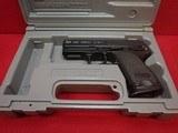 "HK USP 40 Compact .40 S&W 3.5""bbl Semi Automatic Pistol w/Case - 16 of 17"