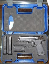 Smith & Wesson M&P 40 - 3 of 3