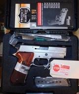 SIG SAUER P220R3 - 1 of 4