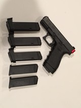 Glock 23c semi auto 40 cal - 3 of 3