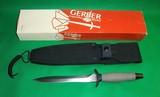 Gerber Combat Fighting Survival Knife w Sheath & Box No 5705 - 1 of 9