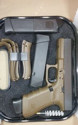 Glock 17 Gen4 9mm pistol, Dark Earth