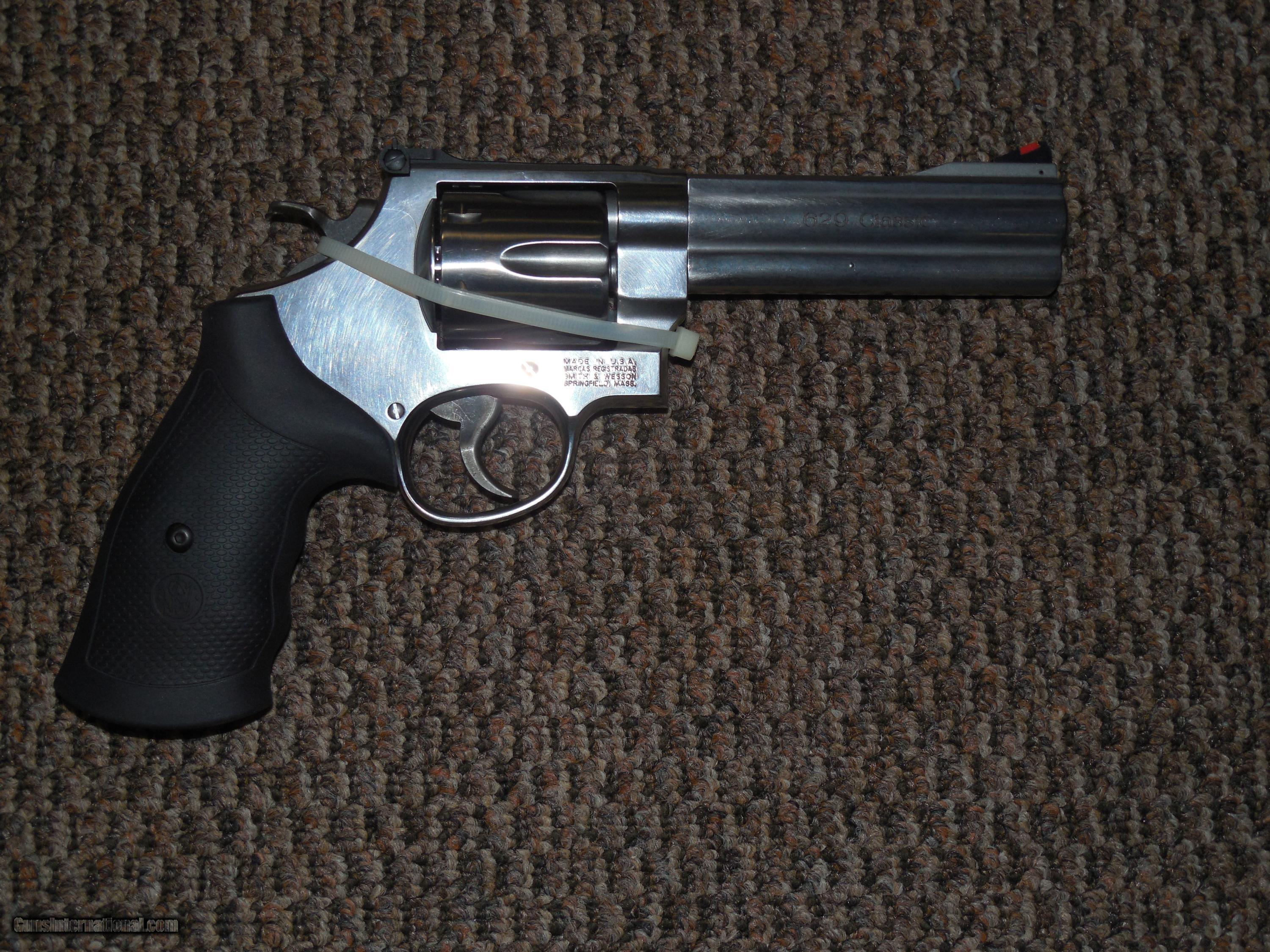 S&W MODEL 629 CLASSIC 5-INCH  44 MAGNUM STAINLESS REVOLVER