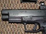 SPRINGFIELD ARMORY XDM OSP (OPTICAL SIGHT PISTOL) 9 MM WITH VORTEX VENOM SIGHT AND 18-ROUND MAGS - 2 of 6