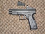 SPRINGFIELD ARMORY XDM OSP (OPTICAL SIGHT PISTOL) 9 MM WITH VORTEX VENOM SIGHT AND 18-ROUND MAGS