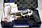 SMITH & WESSON 69 44 MAG Combat Magnum - 1 of 3