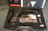 SigSauer 226X5E 40S+W,X-Five Tactical LNIB