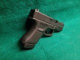 Glock - MODEL 30S. BLACK. 3.75 INCH BARREL. W-FACTORY CASE AND ONE 10 ROUND MAGAZINE. NEARLY NEW! - 45 ACP - 3 of 18