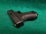 Glock - MODEL 30S. BLACK. 3.75 INCH BARREL. W-FACTORY CASE AND ONE 10 ROUND MAGAZINE. NEARLY NEW! - 45 ACP - 12 of 18