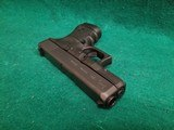Glock - MODEL 30S. BLACK. 3.75 INCH BARREL. W-FACTORY CASE AND ONE 10 ROUND MAGAZINE. NEARLY NEW! - 45 ACP - 16 of 18