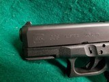 Glock - MODEL 30S. BLACK. 3.75 INCH BARREL. W-FACTORY CASE AND ONE 10 ROUND MAGAZINE. NEARLY NEW! - 45 ACP - 14 of 18
