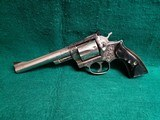RUGER - SECURITY SIX. STAINLESS. DOUBLE ACTION. 6 INCH BARREL. ENGRAVED BY CLINT FINLEY.GORGEOUS! MFG. IN 1977 - .357 MAGNUM - 4 of 21