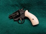SMITH & WESSON - CHIEFS SPECIAL. FLAT LATCH. ENGRAVED BY CLINT FINLEY. W-REAL IVORY GRIPS. ONE-OF-A-KIND MASTERPIECE! - .38 SPECIAL - 6 of 16