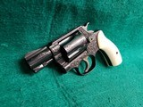 SMITH & WESSON - CHIEFS SPECIAL. FLAT LATCH. ENGRAVED BY CLINT FINLEY. W-REAL IVORY GRIPS. ONE-OF-A-KIND MASTERPIECE! - .38 SPECIAL - 5 of 16