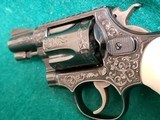 SMITH & WESSON - CHIEFS SPECIAL. FLAT LATCH. ENGRAVED BY CLINT FINLEY. W-REAL IVORY GRIPS. ONE-OF-A-KIND MASTERPIECE! - .38 SPECIAL - 9 of 16