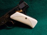 COLT - WOODSMAN. MATCH TARGET. 1ST SERIES. ENGRAVED BY JIM SORNBERGER W-GOLD INLAYS. CHECKERED IVORY GRIPS. STUNNING PISTOL! MFG. IN 1939 - .22 LR - 8 of 17