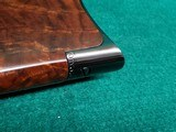 """WINCHESTER - MODEL 1890. DELUXE. 24"""" OCTAGON BBL. ENGRAVED BY ANGELO BEE IN FACTORY #8 PATTERN. VERY GORGEOUS RIFLE! MFG. IN 1926 - .22 LR - 18 of 22"""