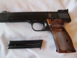 smith and wesson model 41 semiauto target 22 long rifle pistol - 2 of 8