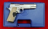 Smith & Wesson 1911 - 1 of 13