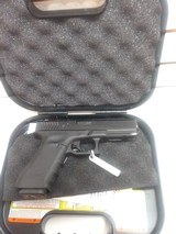 USED GLOCK MODEL G22 40 CAL WITH ORIGINAL HARD PLASTIC CASE