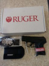 NEW RUGER LCP II380 ACP 2.75 INCH BARREL SOFT HOLSTER, LOCK, MANUALS