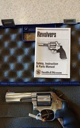 Used Smith and Wesson Model 686 357 magnum original box good condition