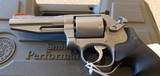 """New Smith and Wesson 686 Performance 357 Magnum 4""""barrel plastic hard case - 19 of 20"""