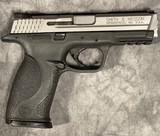 Smith & Wesson M&P40 Stainless