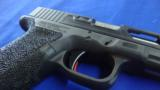 Custom Glock 17 9 mm - 3 of 5