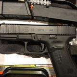 LIPSEY'S EXCLUSIVE - GLOCK G45 G5 MOS 9mm Semi-Auto Pistol W/ Front Serrations - 6 of 9